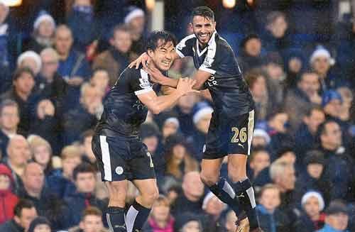 Ngoại hạng Anh: Leicester thăng hoa là nhờ ...chôn Vua - 1