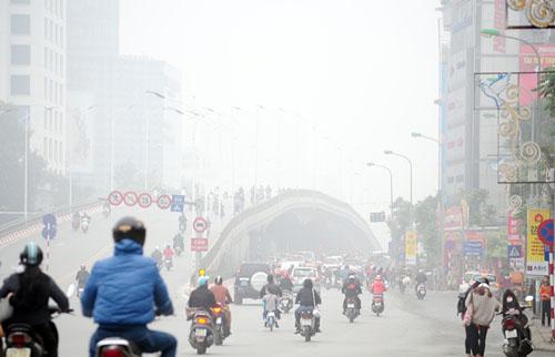 Ảnh: Sương mù dày đặc bao phủ Hà Nội - 14