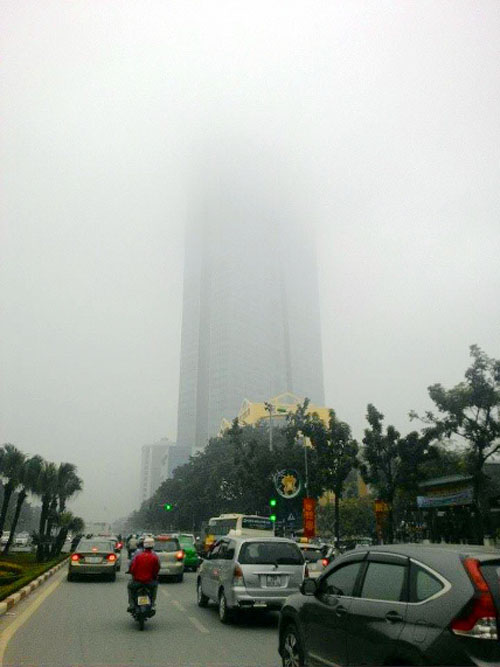 Ảnh: Sương mù dày đặc bao phủ Hà Nội - 15