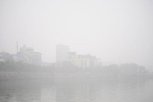 Ảnh: Sương mù dày đặc bao phủ Hà Nội - 19