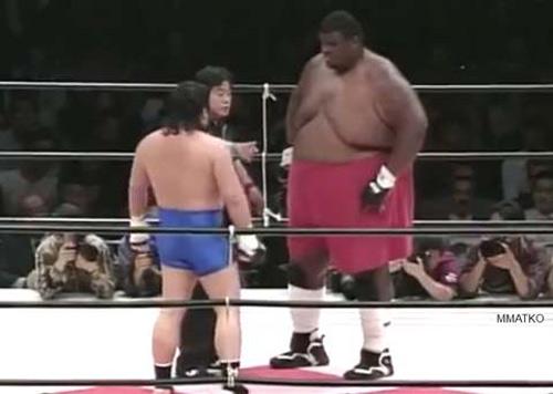 Võ sĩ nặng cân nhất lịch sử UFC qua đời ở tuổi 51 - 1