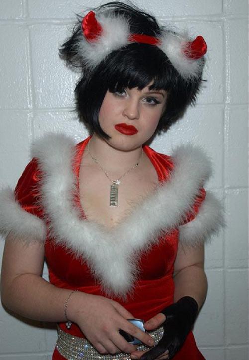 """Trang phục """"ăn theo"""" mùa Giáng Sinh của sao - 10"""