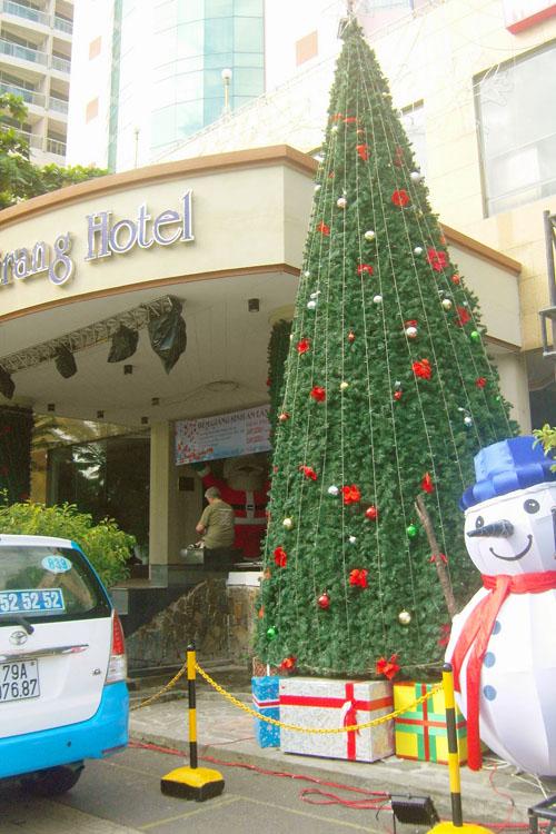 Mùa Noel trên phố biển Nha Trang - 3