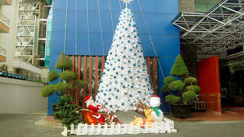 Mùa Noel trên phố biển Nha Trang - 4
