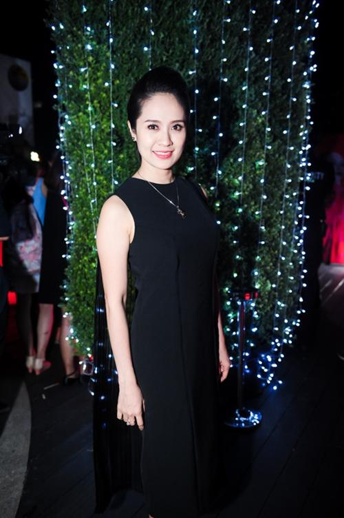 Tóc Tiên gợi cảm ra mắt MV 'ăn chơi' - 8
