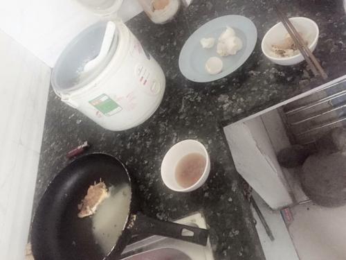 Bi hài thanh niên đi ăn trộm tiện thể tráng trứng ăn sáng - 2