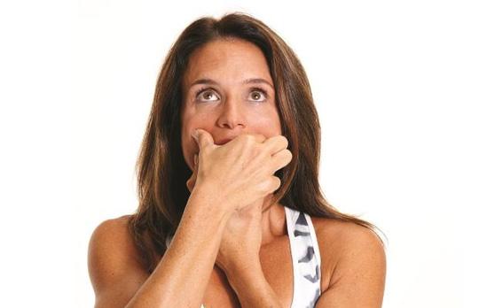 5 động tác đơn giản giúp ngăn ngừa nếp nhăn - 4