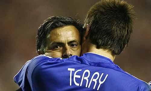 Với cá tính của mình, Mourinho nên chuyển sang CLB nhỏ - 1