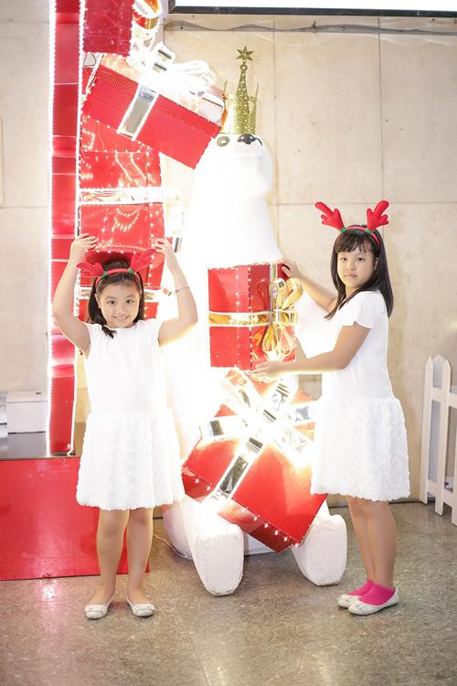 Gia đình Thúy Hạnh đón Giáng sinh ở 'xứ nóng' - 9
