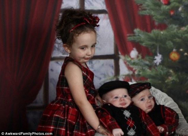 Những bức ảnh gia đình tệ nhất trong mùa Giáng sinh - 4