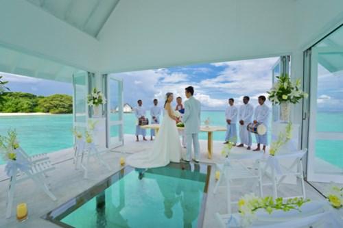 """""""Phát sốt"""" với thánh đường hôn lễ giữa biển đẹp như mơ - 3"""