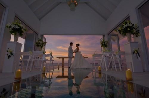 """""""Phát sốt"""" với thánh đường hôn lễ giữa biển đẹp như mơ - 6"""