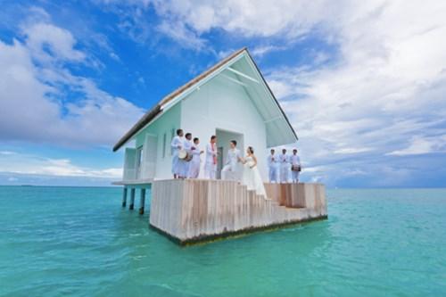 """""""Phát sốt"""" với thánh đường hôn lễ giữa biển đẹp như mơ - 1"""