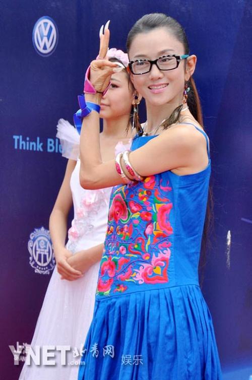 Mỹ nhân Hoa ngữ U60 trẻ như thiếu nữ nhờ không ăn cơm - 4