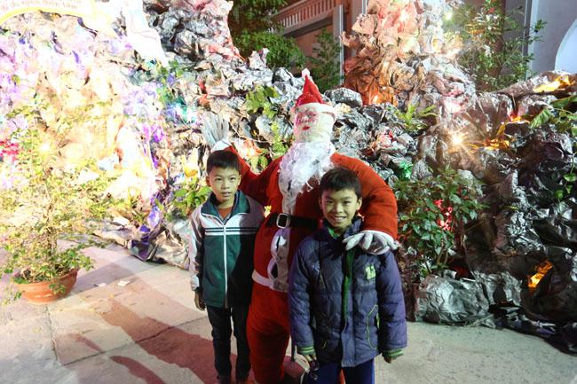 """Đêm Giáng sinh đặc biệt ở """"kinh đô Công giáo"""" Việt Nam - 13"""