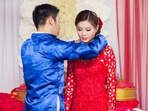 Á hậu Diễm Trang được đón bằng siêu xe trong đám hỏi