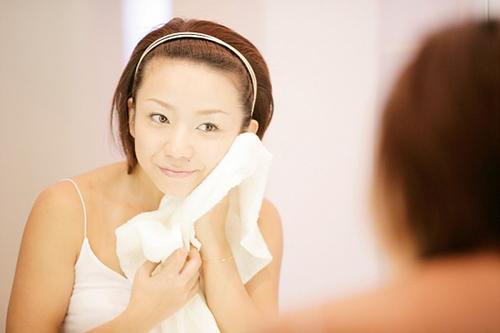 5 lời khuyên khi rửa mặt để làn da luôn mịn màng - 2