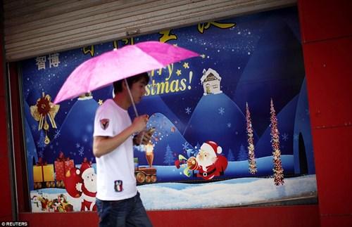 """""""Đột nhập"""" vựa sản xuất đồ Giáng sinh cho toàn thế giới - 14"""