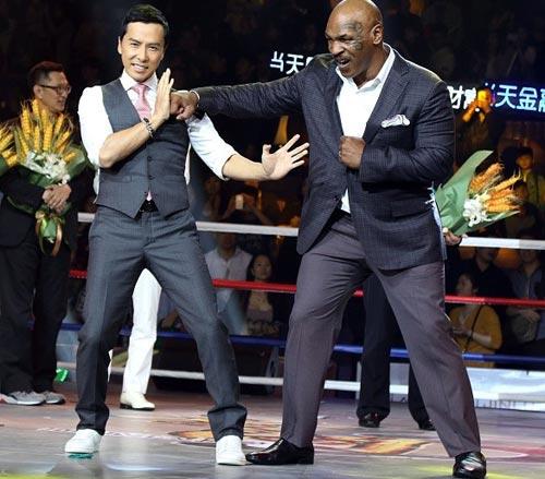"""Trận chiến """"để đời"""": Mike Tyson đả Chân Tử Đan - 1"""