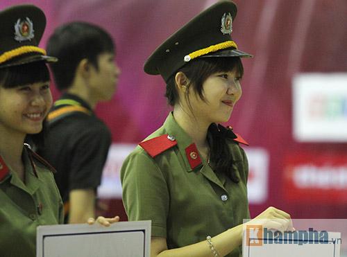 """""""Mr Bean bóng bàn"""" khiến người đẹp Việt bật cười - 3"""