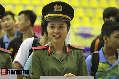 """""""Mr Bean bóng bàn"""" khiến người đẹp Việt bật cười - 6"""