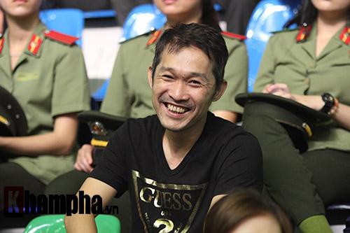 """""""Mr Bean bóng bàn"""" khiến người đẹp Việt bật cười - 9"""