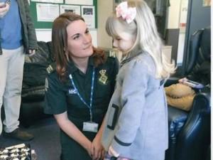 Bạn trẻ - Cuộc sống - Bé gái 3 tuổi cứu người mẹ mang thai bị bất tỉnh