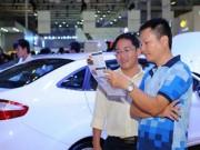 Thị trường - Tiêu dùng - Người Việt ùn ùn sắm ô tô chơi tết