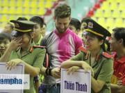 """Thể thao - """"Mr Bean bóng bàn"""" khiến người đẹp Việt bật cười"""