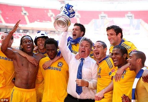 Ngày ra mắt Chelsea, Hiddink mơ điều không tưởng - 2
