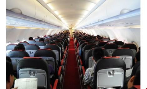Mẹo bỏ túi giúp tránh nhiễm bệnh khi đi máy bay - 1
