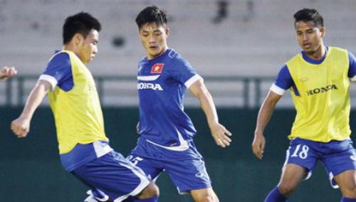 U23 Việt Nam vẫn loay hoay tìm đội hình - 1