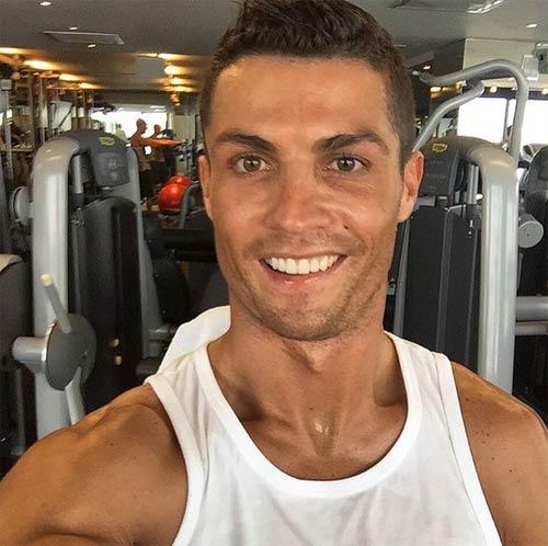 Sao 360 độ 26/12: Ronaldo hưởng Giáng sinh ở phòng gym - 1