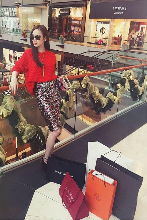 """Mr. Đàm, Angela Phương Trinh và bệnh """"nghiện"""" mua sắm - 3"""