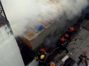Tin tức trong ngày - TP.HCM: Cháy lớn, thiêu rụi cơ sở cơ khí cùng một cửa hàng
