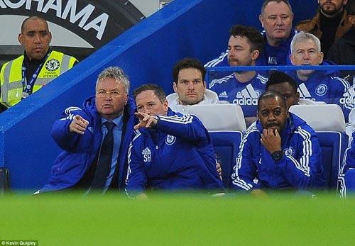 Hiddink: CĐV có quyền ủng hộ Mourinho - 1