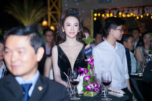 Angela Phương Trinh vừa dễ thương vừa sexy đến nao lòng - 2