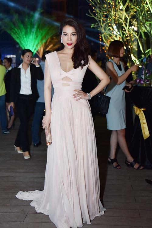 Angela Phương Trinh vừa dễ thương vừa sexy đến nao lòng - 5
