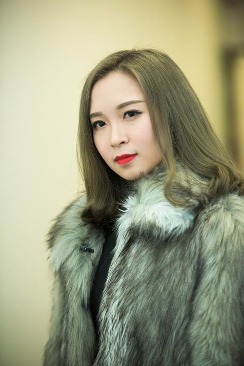 Con gái Xuân Hinh xinh đẹp và sành điệu như hot girl - 8