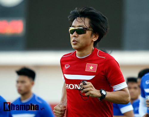 """U23 VN: Băng rôn """"mời ông về"""" & sự tự tin của Miura - 6"""