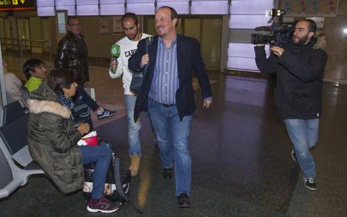 Nóng ở Real: Zidane sắp được chỉ định thay Benitez - 1