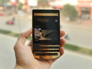 Tin tức công nghệ - BlackBerry Porsche Design P'9983 mạ vàng sắp ra mắt