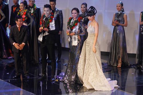 Lộ diện giải Vàng Siêu mẫu Việt Nam 2015 - 21