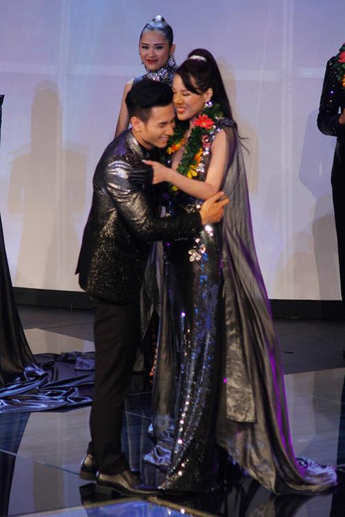 Lộ diện giải Vàng Siêu mẫu Việt Nam 2015 - 22