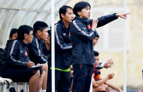 Đội U-23 Việt Nam: Một mình ông Miura chống lại tất cả - 1
