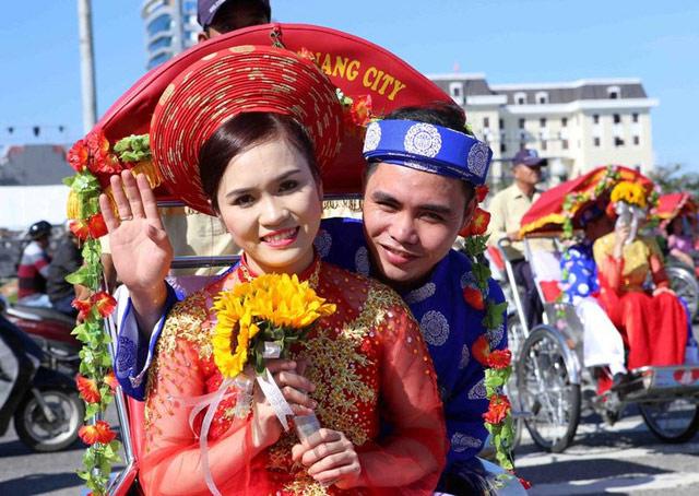 Xúc động đám cưới những công nhân nghèo ở Đà Nẵng - 2