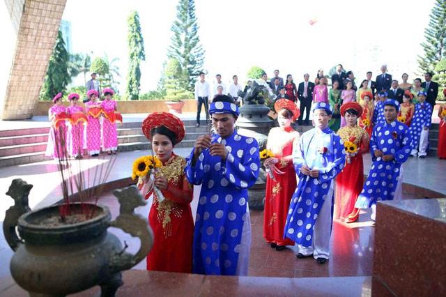 Xúc động đám cưới những công nhân nghèo ở Đà Nẵng - 7