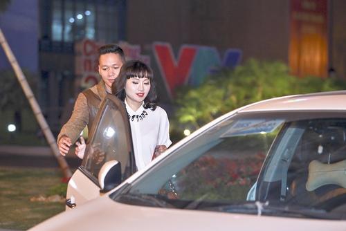 'Họa mi' Khánh Linh khoe ông xã phong độ, điển trai - 3