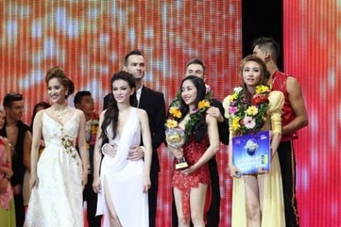 Những MC Việt gặp sự cố vì trao nhầm giải thưởng - 3