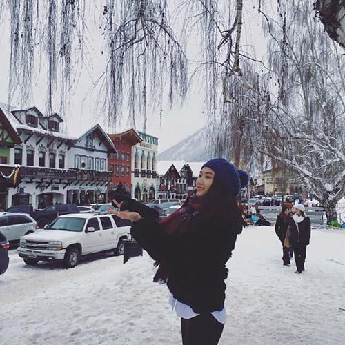 Facebook sao 28/12: Hà Hồ hẹn hò với bạn trai đại gia - 6